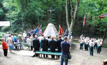 Msza św. za pomordowanych żołnierzy w lesie grabińskim w 72. rocznicę zbrodni